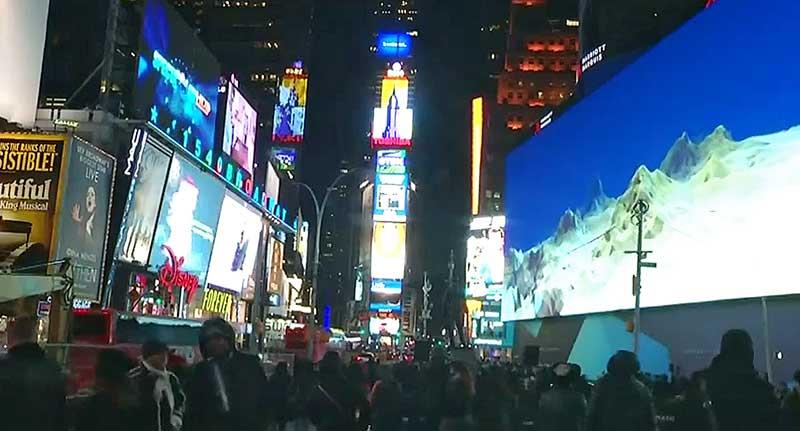 Óriáskijelzővel uralja a Times Square-t a Google