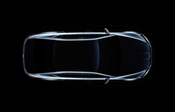 Elegáns vonalakkal érkezik az új Škoda Superb