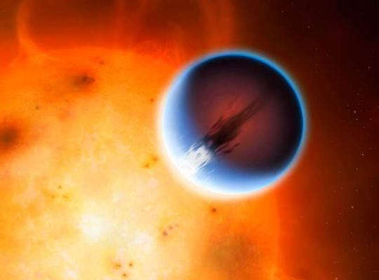 Szuperorkánok süvítenek a Jupiter-szerű bolygón