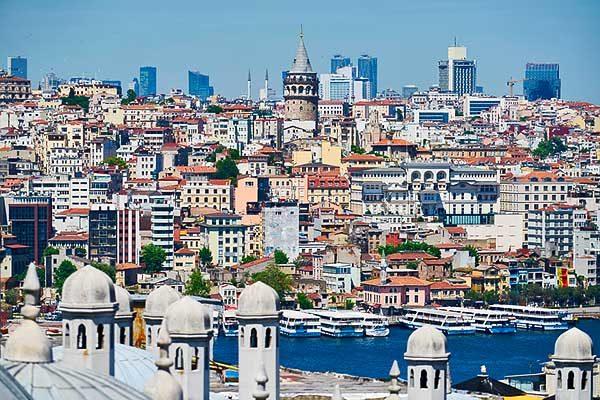 A Konstantinápoly Budapesten titulussal rendelkező egykori szórakozónegyedről nyílt tárlat Isztambulban