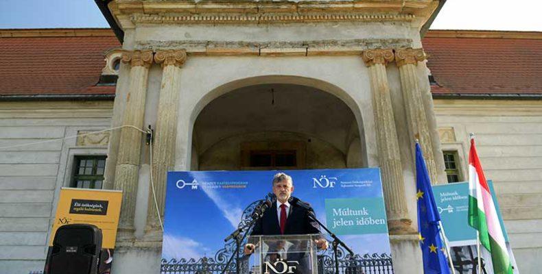60 milliárd forintot fordít a kormány kastélyok és várak felújítására